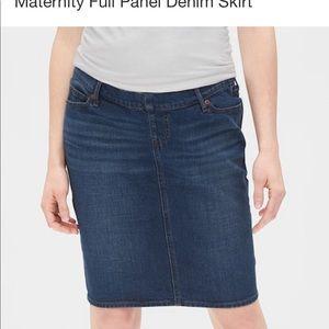 Gap jean Maternity skirt